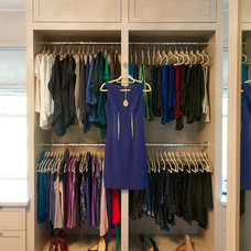 Transitional Closet by RR Builders, LLC