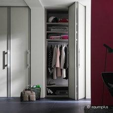Contemporary Closet by Pedini Seattle