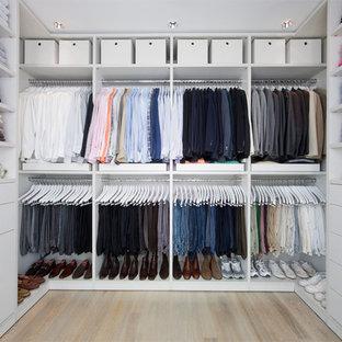 Exempel på en eklektisk garderob