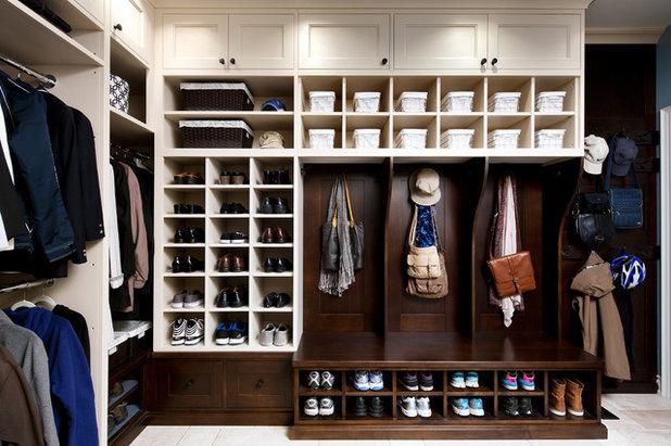 Klassisk Förvaring & garderob by Jane Lockhart Interior Design