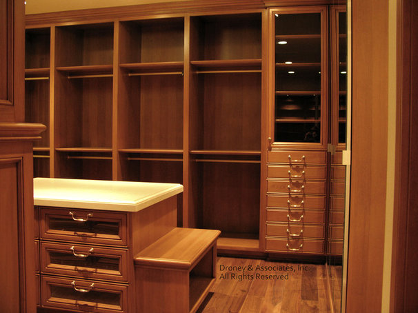 Contemporary Closet by Timothy J. Droney General Contractor