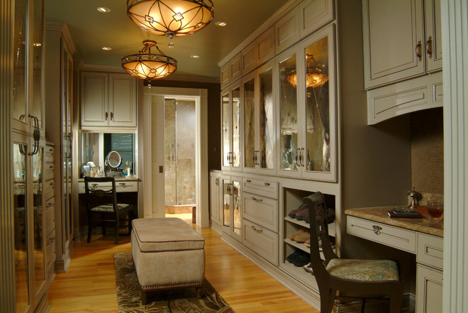Eclectic Closet by Island Paint and Decorating