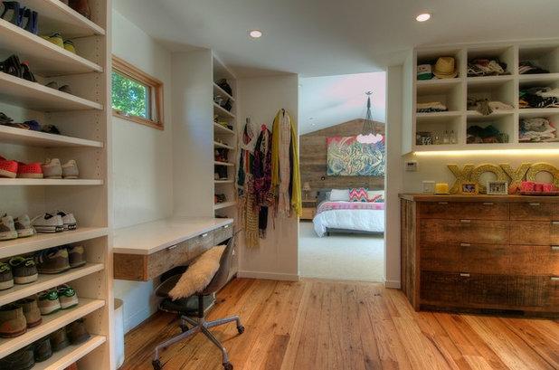 Midcentury Closet by Foley Built