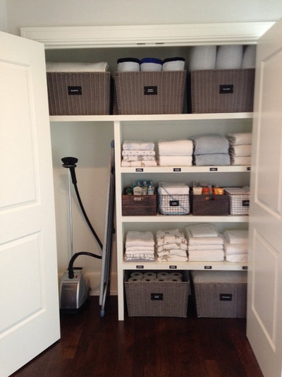 Traditional Closet by NEAT Method St. Louis
