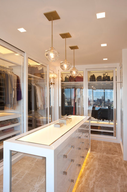 Contemporary Closet by Clos-ette Too