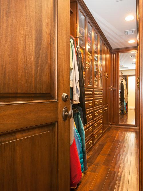 Mediterranean los angeles closet design ideas remodels for Closet design los angeles