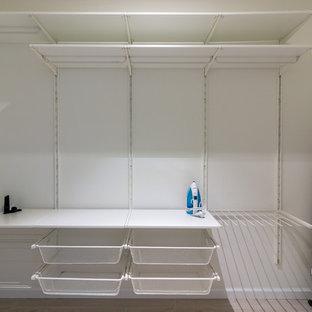 Idées déco pour un armoire et dressing scandinave.