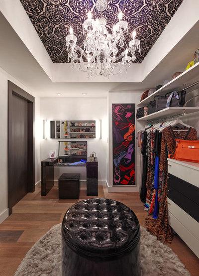 Contemporary Closet by Guimar Urbina Interiors, Corp.