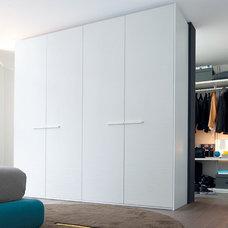 Modern Closet by Poliform USA