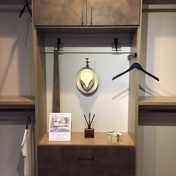 Ponte Vedra Beach Showroom: Men's Contemporary Walk-In Closet