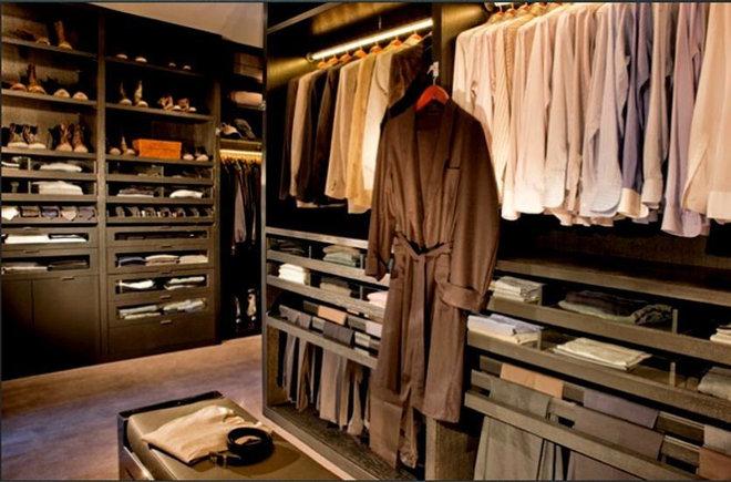 Contemporary Closet by Shawn Penoyer Interiors
