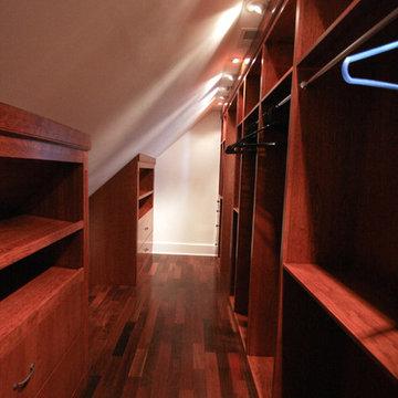 Potomac Bathroom/Walk-in Closet