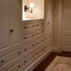 Traditional Closet by Rill Architects