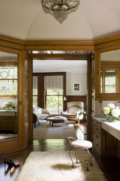 Modern Closet by David Howell Design