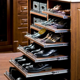 Inspiration for a timeless closet remodel in Toronto
