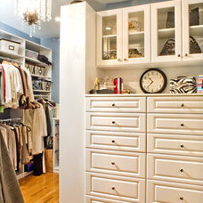 contemporary closet by Ramos Design Build Corporation - Tampa