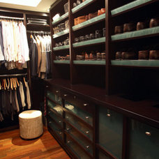 contemporary closet by Richens Designs, Inc.