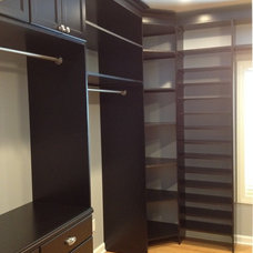 Transitional Closet by -B Designs