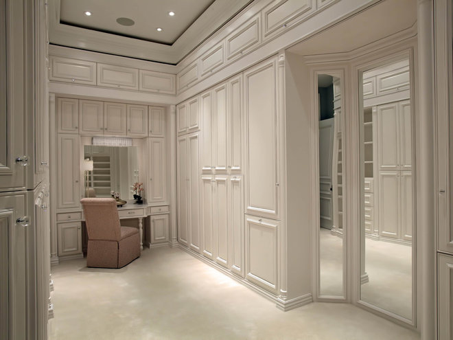 Traditional Closet by Ruffino Cabinetry