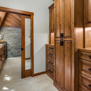 Rustic Lake House Retreat | Sammamish, WA