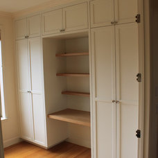 Modern Closet by Diadem Finish Carpentry