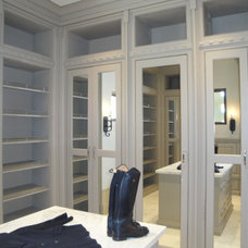 Mediterranean Closet by LIFESTYLE KITCHENS by The Kitchen Lady
