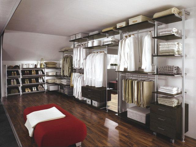 Modern Closet by AFFurniture & Door Hardware