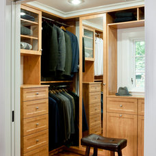 Traditional Closet by LDa Architecture & Interiors