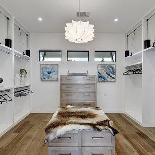 Design ideas for a midcentury storage and wardrobe in Austin.