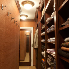 Traditional Closet by Clos-ette Too