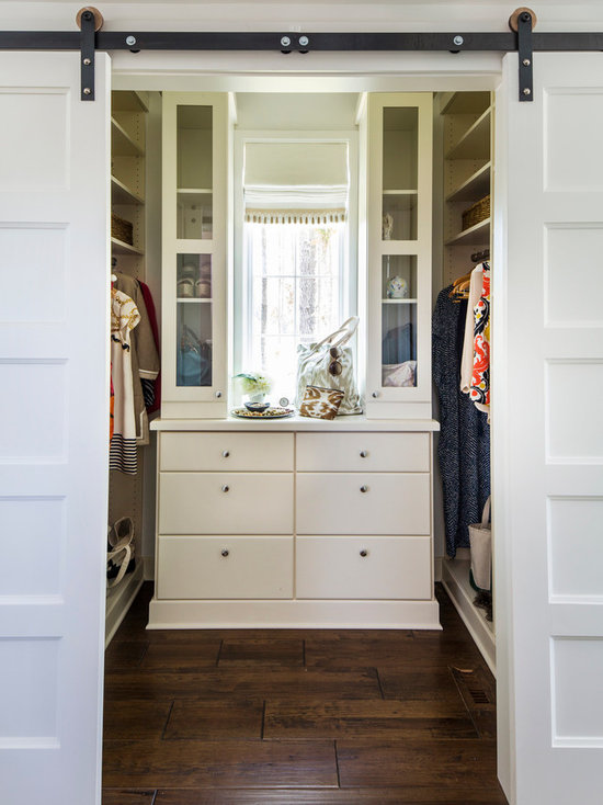 farmhouse walk-in closet design ideas, remodels & photos with flat