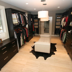 contemporary closet by Taylor Design