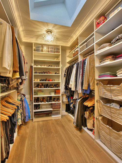 Mid-Sized Walk-In Closet Design Ideas, Remodels & Photos
