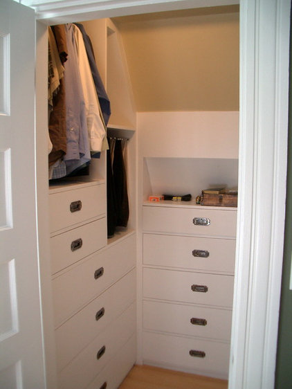 Contemporary Closet by Grindl Woodworking