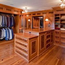 Traditional Closet by Worthington Custom Builder Inc.