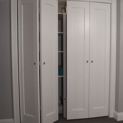 New door designs custom closet doors style bedrooms for Custom made internal bifold doors