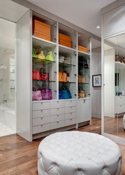 Contemporary Closet by Domiteaux Architects
