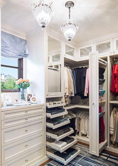 Классический Гардеробная by Lisa Adams, LA Closet Design