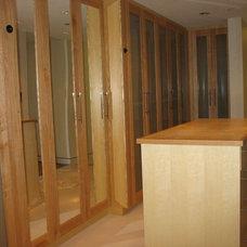 Contemporary Closet by Denise Butchko/Butchko and Company