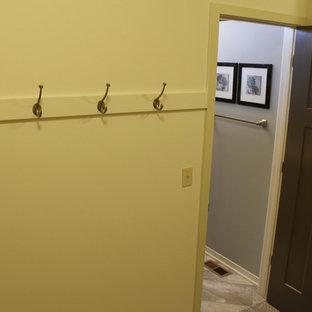 Diseño de armario vestidor unisex, de estilo americano, grande, con armarios abiertos y moqueta