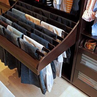 Неиссякаемый источник вдохновения для домашнего уюта: гардеробная в современном стиле