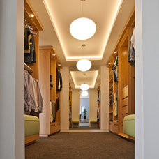 Contemporary Closet by Ultraspace by Mark Gacesa