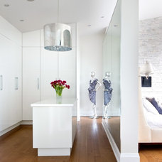 Transitional Closet by Barroso Homes