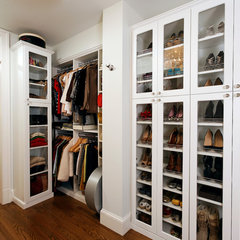 traditional closet by Erin Hoopes