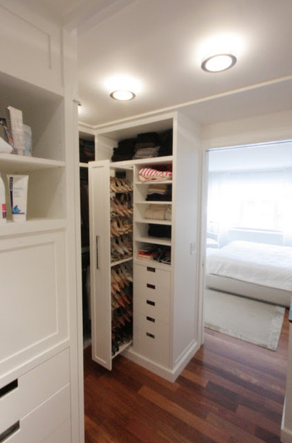 traditional closet by Korts & Knight, Kitchens by Alexandra Knight