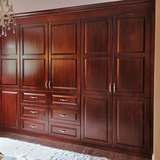 Traditional Closet by Square Footage Custom Kitchens & Bath Inc.