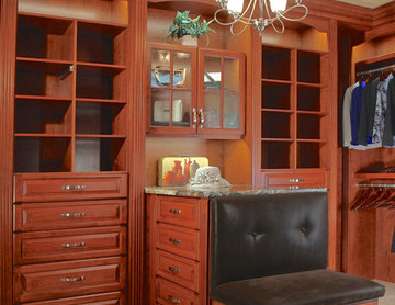 Traditional Dressing Suite in Chicago