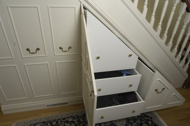Traditional Closet by Lipa Woodwork