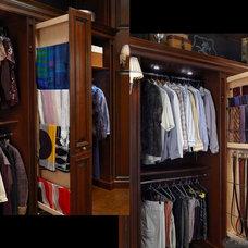 Traditional Closet by Graniterra