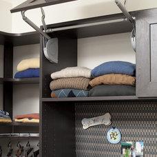Contemporary Closet by The Closet Works, Inc.